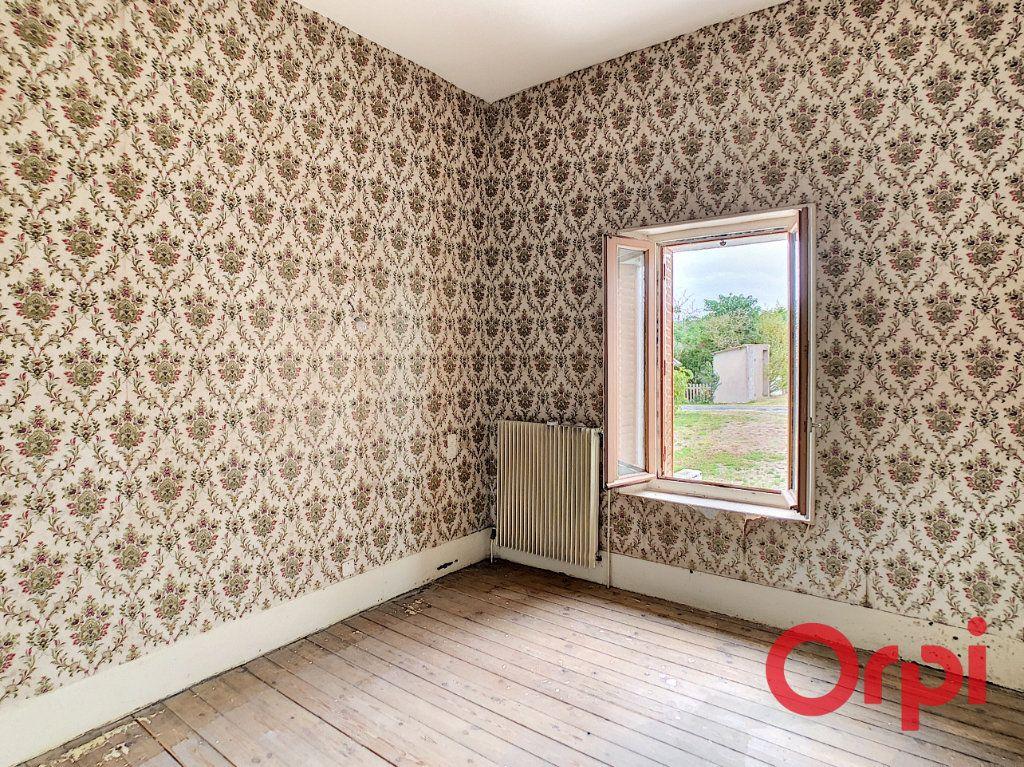 Maison à vendre 5 101m2 à Néris-les-Bains vignette-6