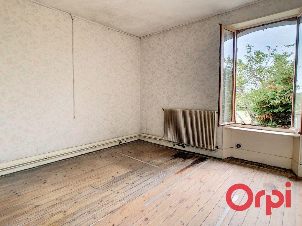 Maison à vendre 5 101m2 à Néris-les-Bains vignette-7
