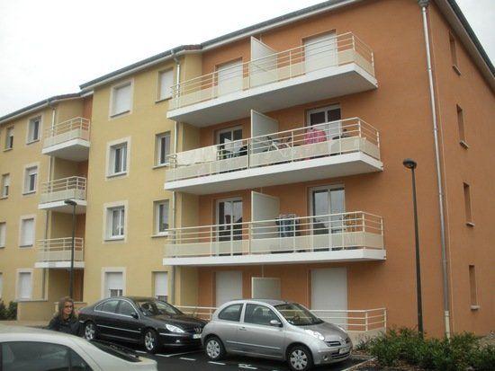 Appartement à vendre 3 61.84m2 à Montluçon vignette-1