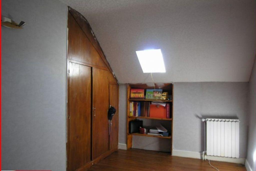 Maison à vendre 4 100m2 à Louroux-de-Bouble vignette-6