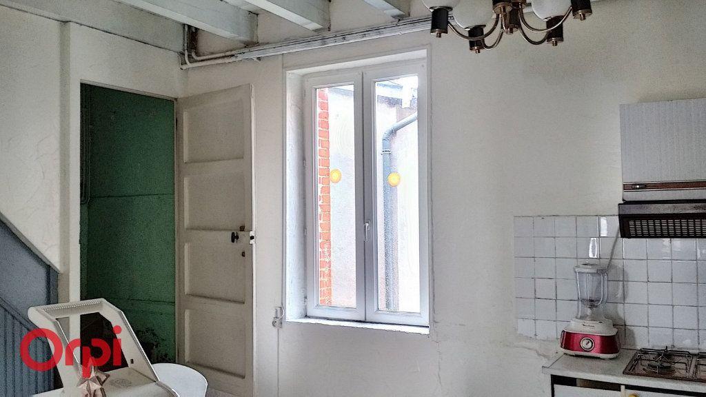 Maison à vendre 4 100m2 à Louroux-de-Bouble vignette-11