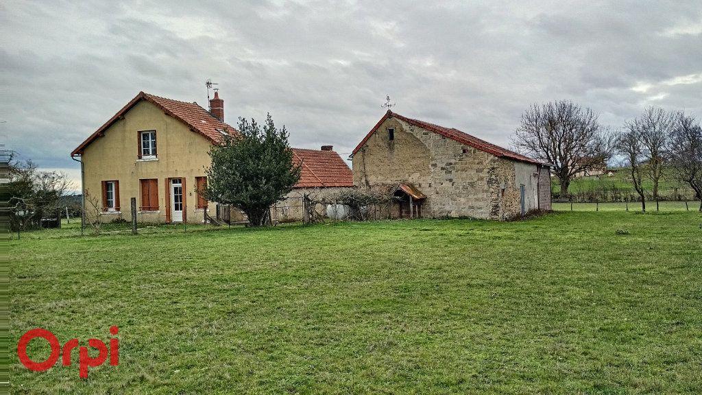 Maison à vendre 5 100m2 à Chirat-l'Église vignette-1