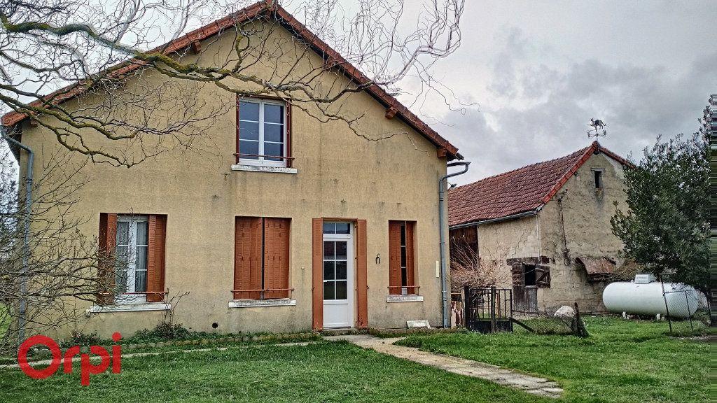 Maison à vendre 5 100m2 à Chirat-l'Église vignette-2