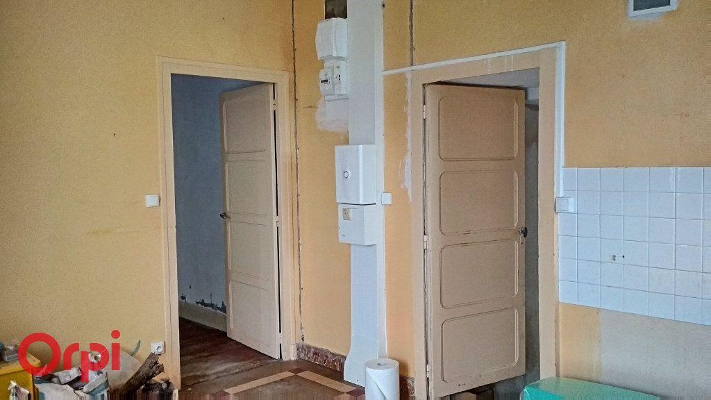 Maison à vendre 5 100m2 à Chirat-l'Église vignette-6