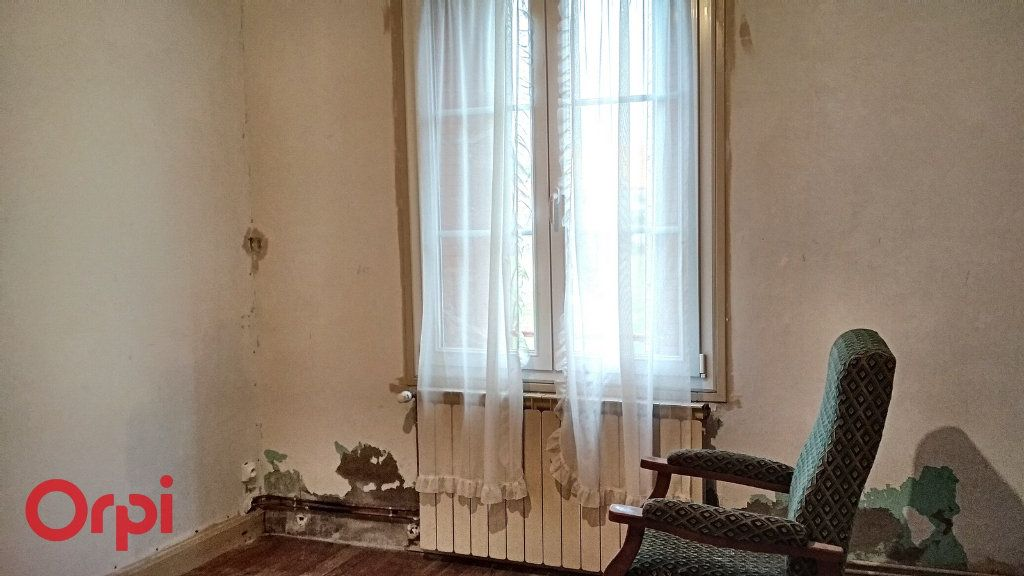 Maison à vendre 5 100m2 à Chirat-l'Église vignette-9