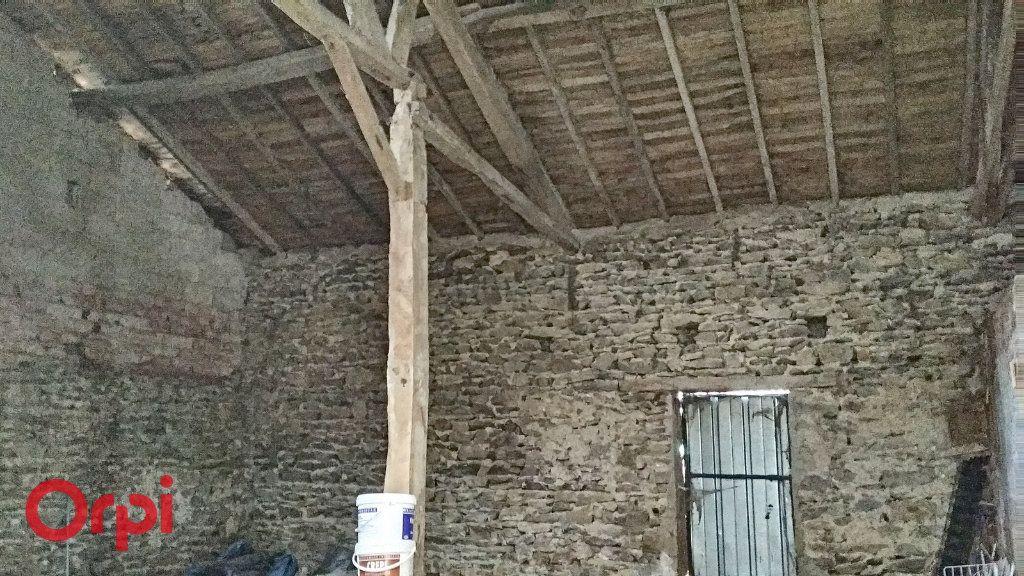 Maison à vendre 5 100m2 à Chirat-l'Église vignette-17