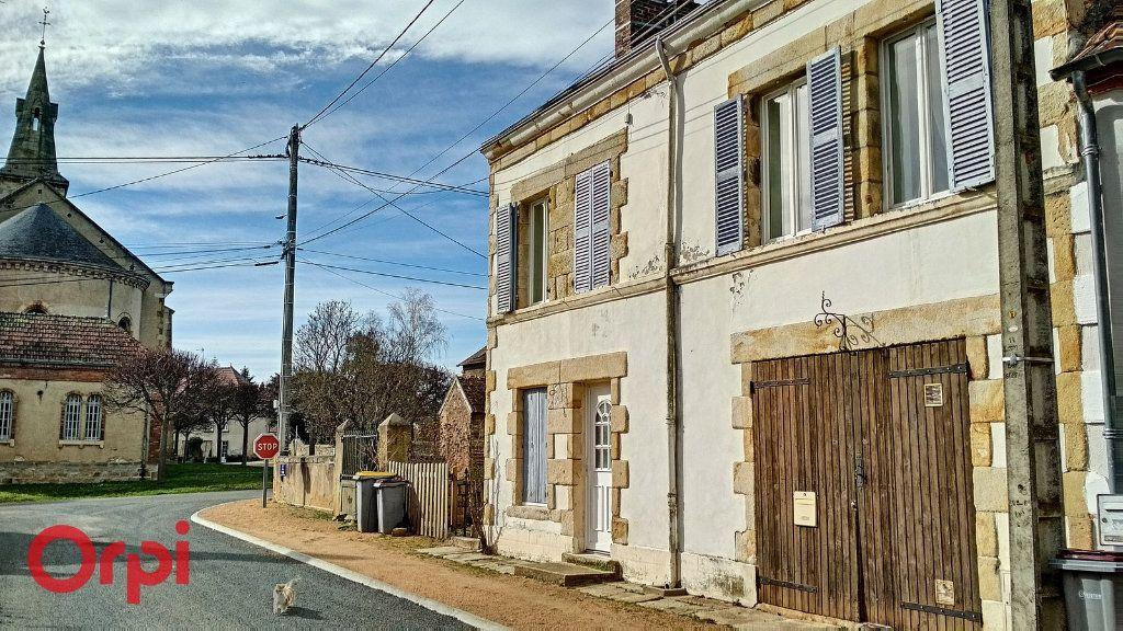 Maison à vendre 5 112m2 à Bézenet vignette-1