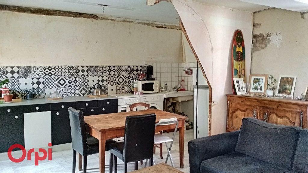 Maison à vendre 4 100m2 à Montmarault vignette-2