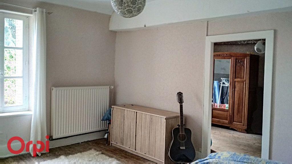 Maison à vendre 4 100m2 à Montmarault vignette-5
