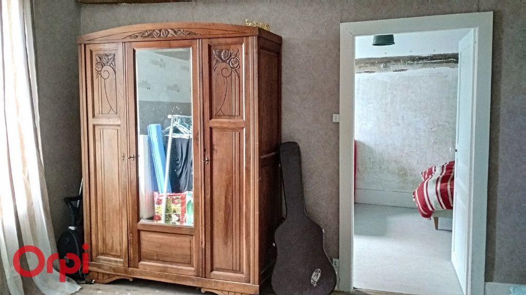 Maison à vendre 4 100m2 à Montmarault vignette-7