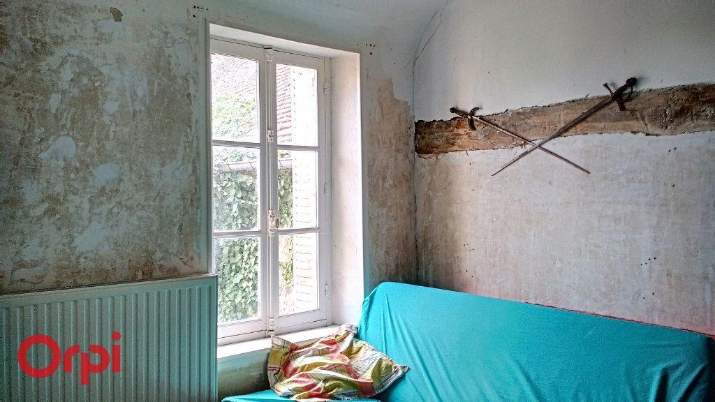 Maison à vendre 4 100m2 à Montmarault vignette-9
