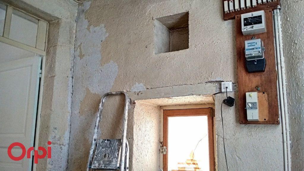 Maison à vendre 4 100m2 à Montmarault vignette-14