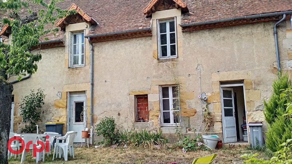Maison à vendre 4 100m2 à Montmarault vignette-16