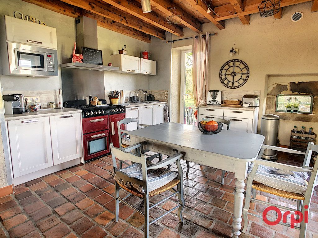 Maison à vendre 10 226m2 à Montluçon vignette-5