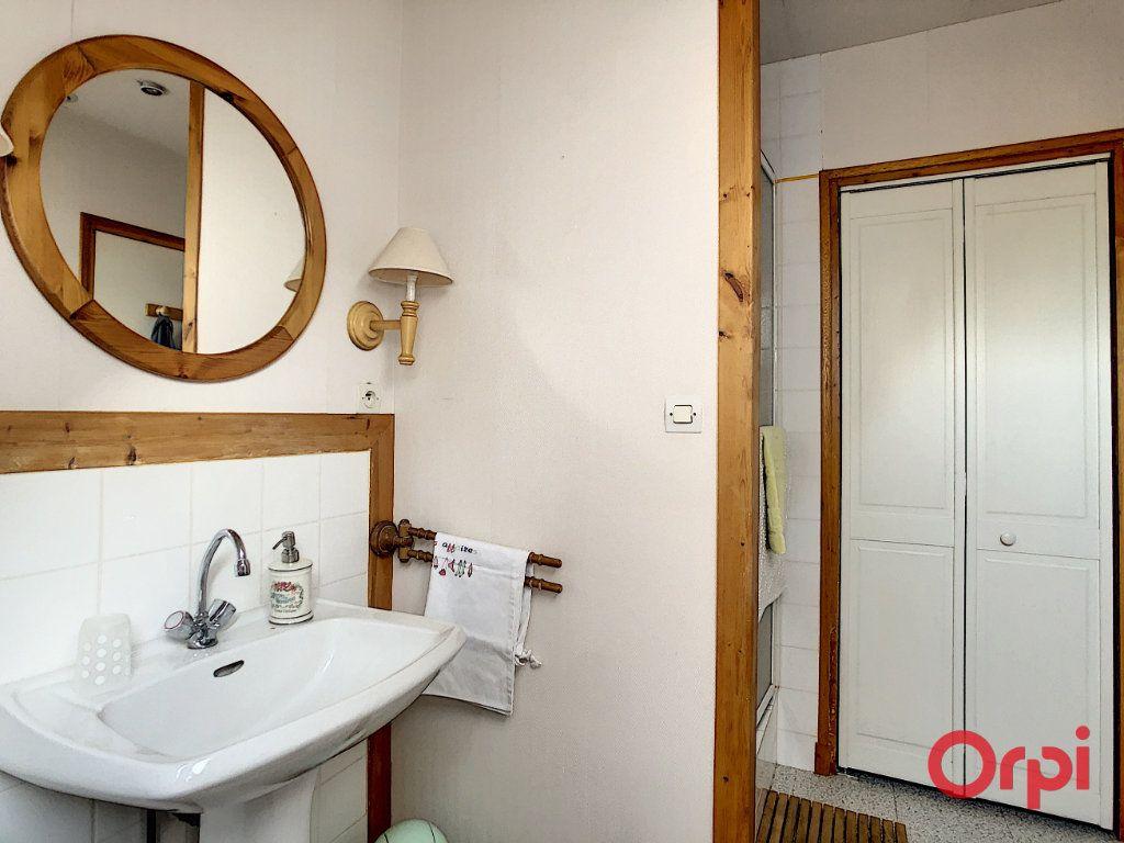 Maison à vendre 10 226m2 à Montluçon vignette-9