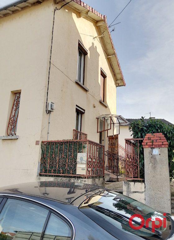 Appartement à vendre 3 61m2 à Montluçon vignette-3