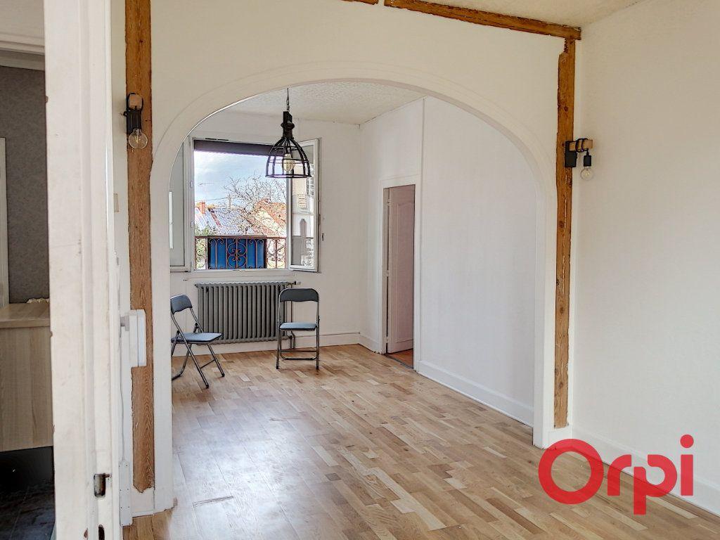 Appartement à vendre 3 61m2 à Montluçon vignette-4
