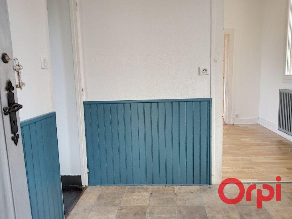 Appartement à vendre 3 61m2 à Montluçon vignette-7