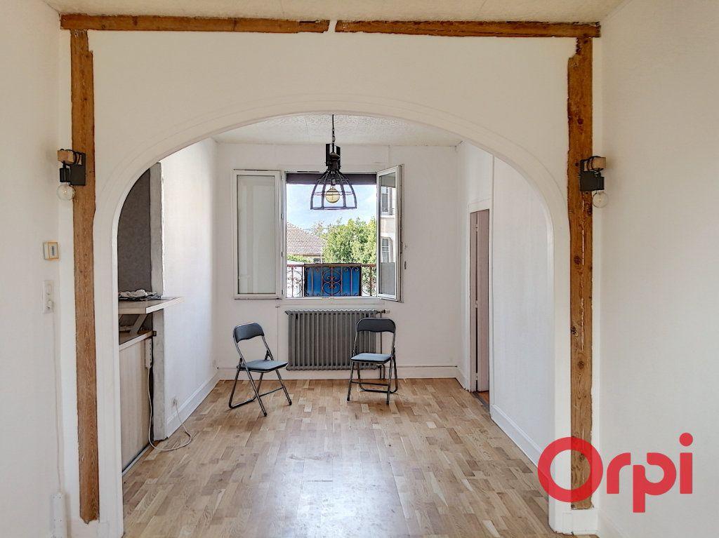 Appartement à vendre 3 61m2 à Montluçon vignette-9