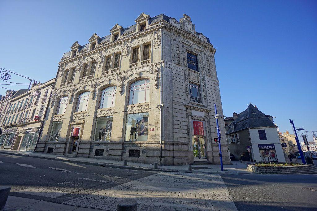 Immeuble à vendre 0 1611m2 à Montluçon vignette-2