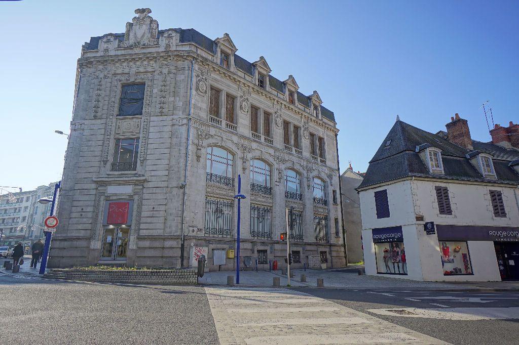 Immeuble à vendre 0 1611m2 à Montluçon vignette-3