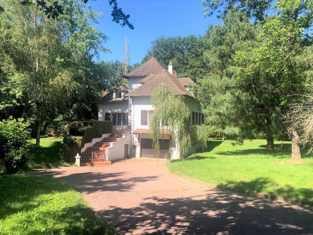 Maison à vendre 5 214m2 à Vallon-en-Sully vignette-1