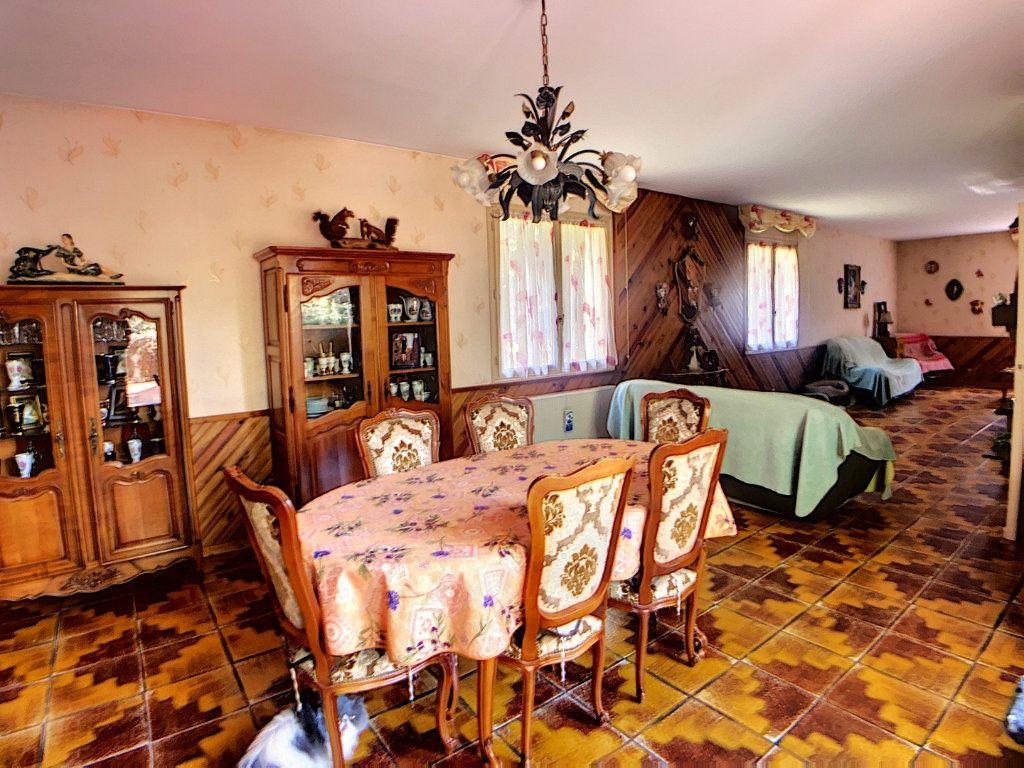 Maison à vendre 5 214m2 à Vallon-en-Sully vignette-3
