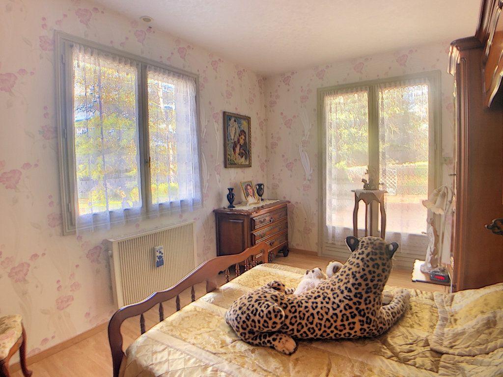 Maison à vendre 5 214m2 à Vallon-en-Sully vignette-5