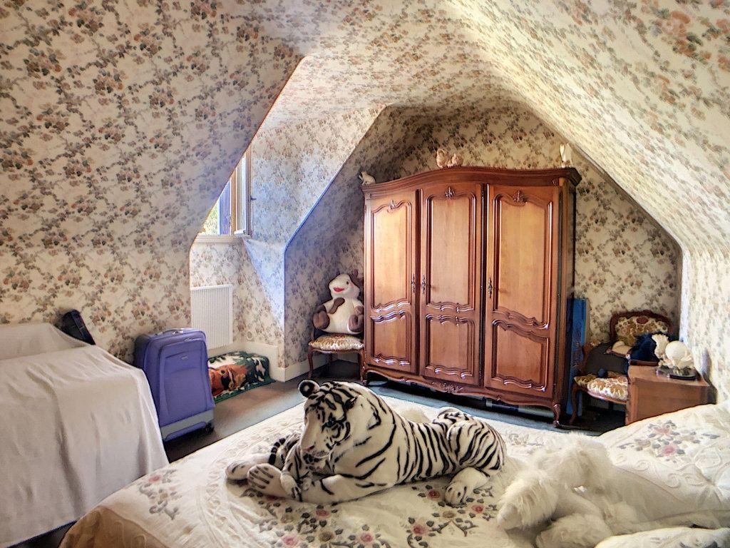 Maison à vendre 5 214m2 à Vallon-en-Sully vignette-6