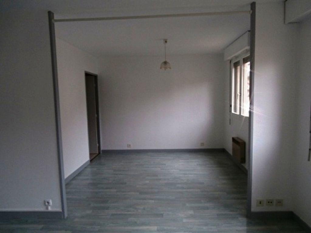 Appartement à vendre 2 37m2 à Montluçon vignette-2