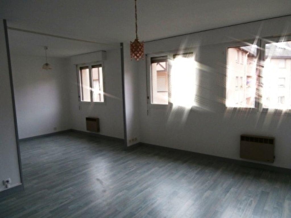 Appartement à vendre 2 37m2 à Montluçon vignette-4