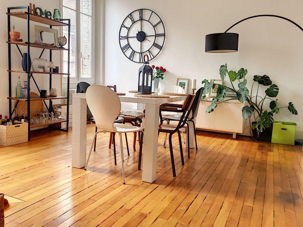 Appartement à vendre 5 110m2 à Montluçon vignette-2