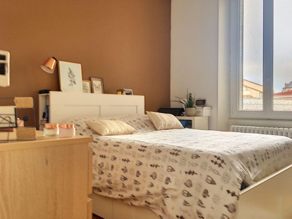Appartement à vendre 5 110m2 à Montluçon vignette-8