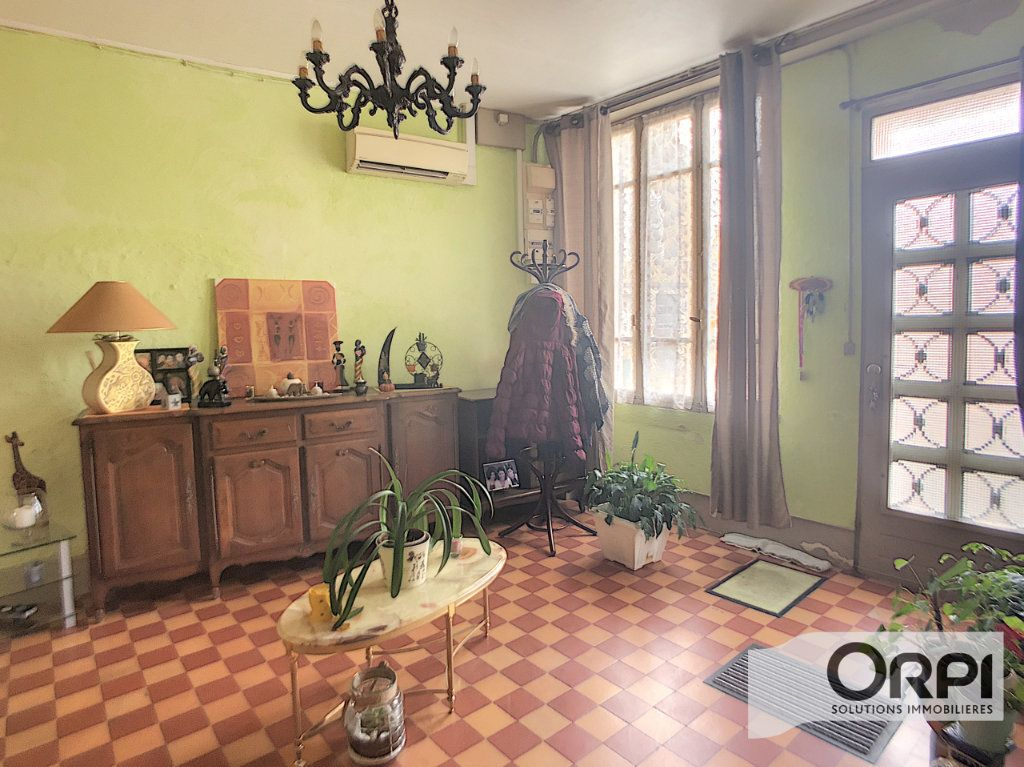 Maison à vendre 6 124m2 à Ainay-le-Château vignette-3