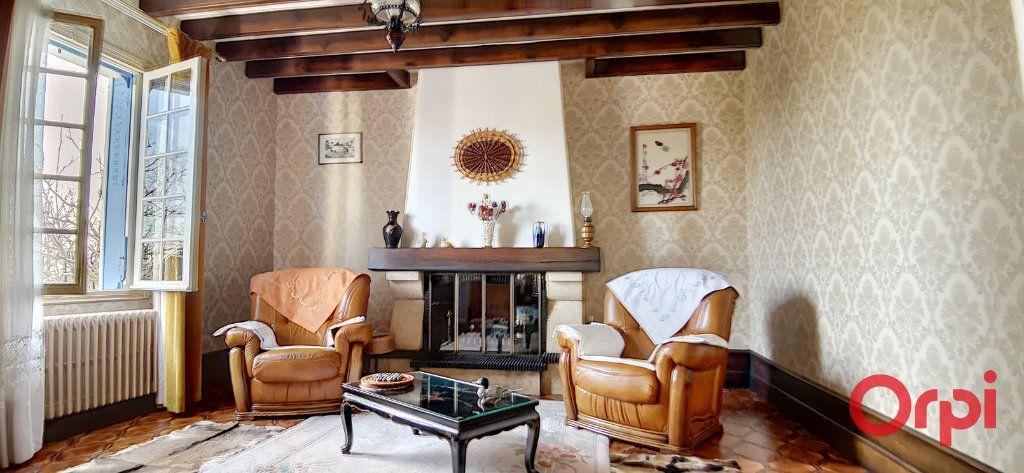 Maison à vendre 5 120m2 à Commentry vignette-11