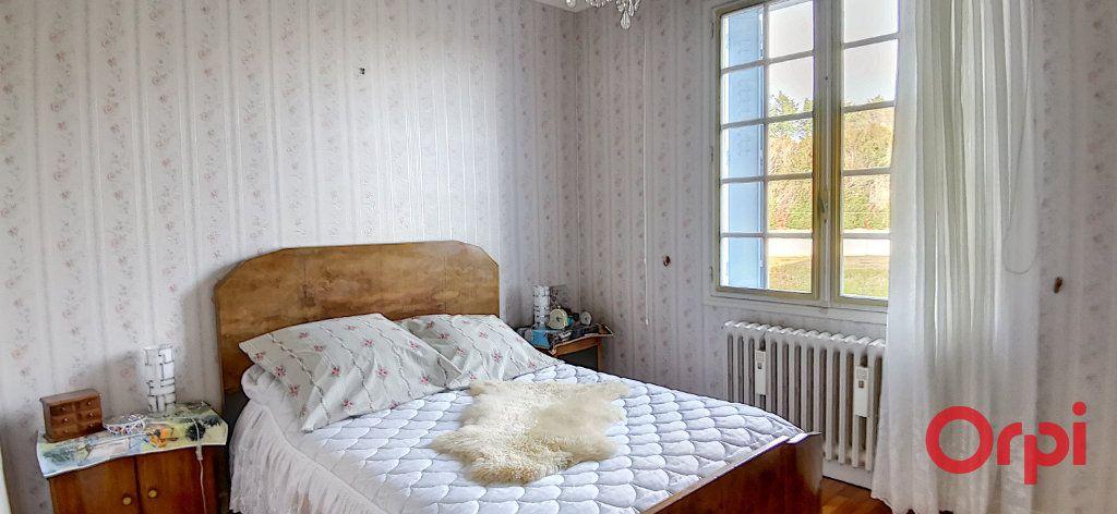 Maison à vendre 5 120m2 à Commentry vignette-12
