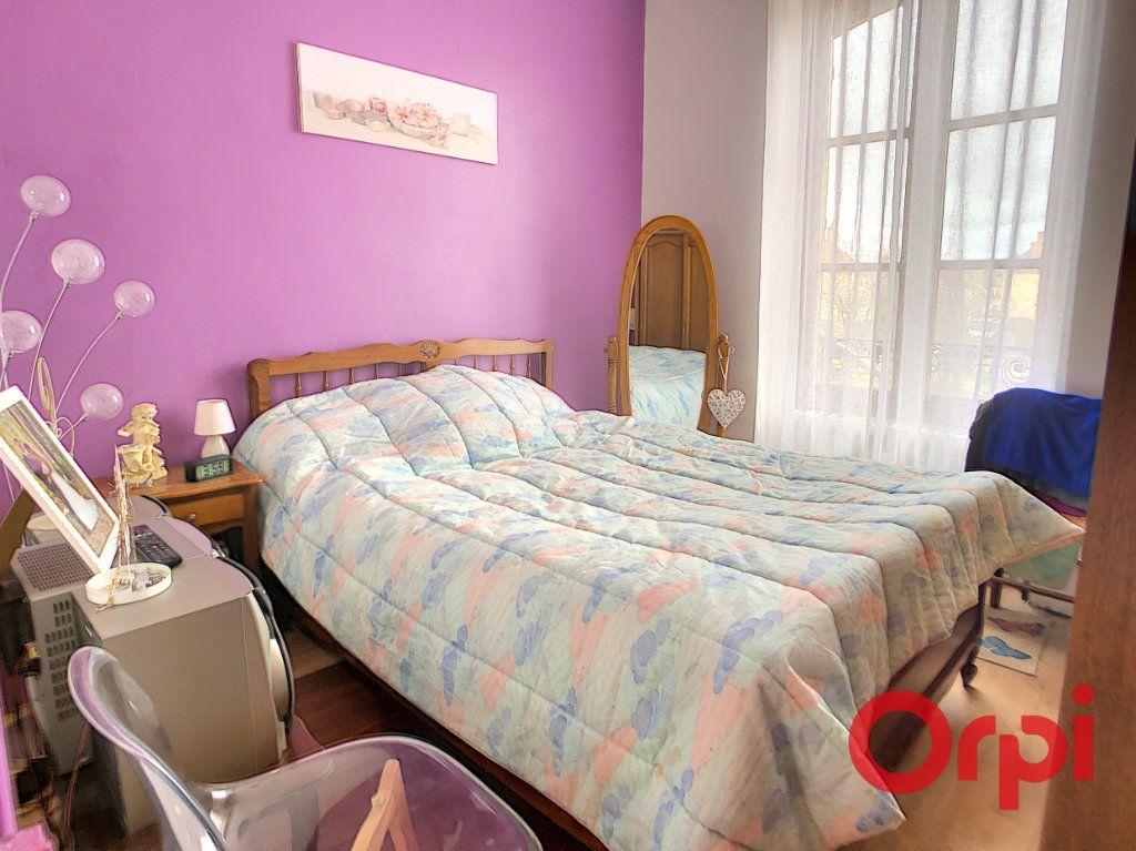 Maison à vendre 4 95.5m2 à Saint-Amand-Montrond vignette-5