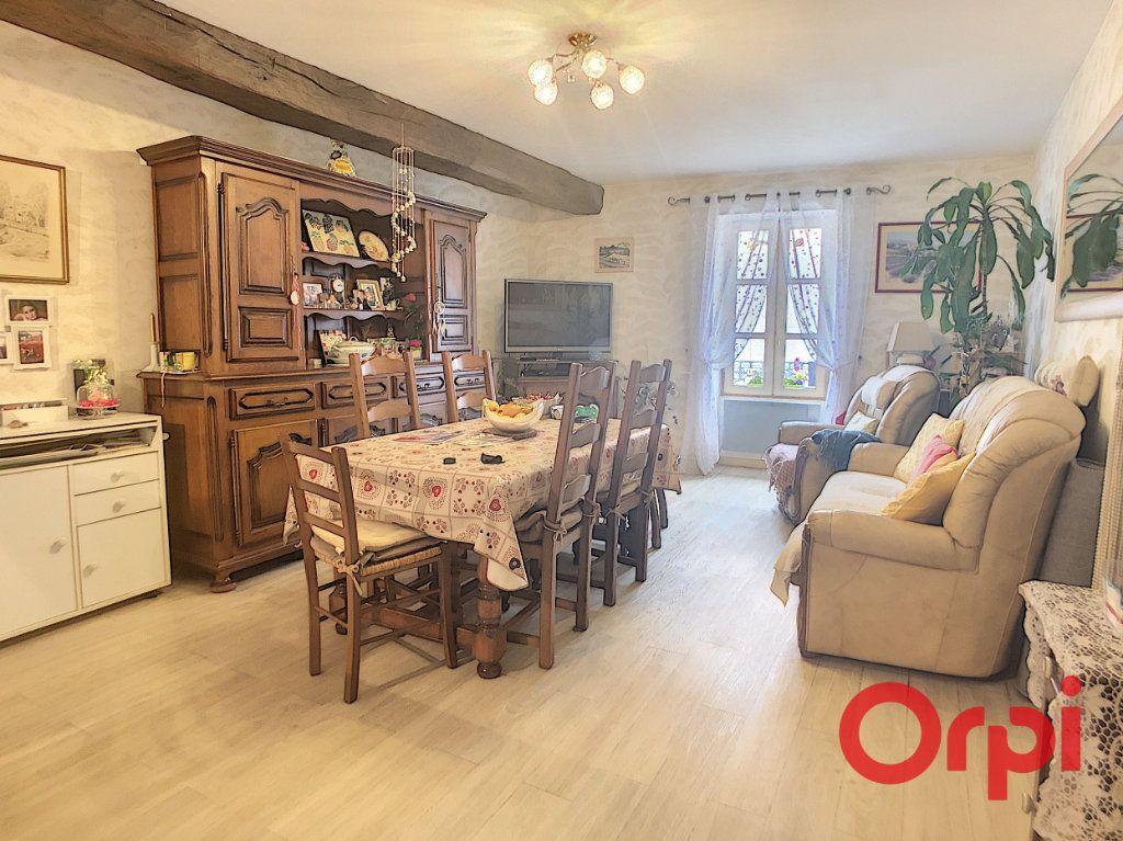 Appartement à vendre 4 82m2 à Saint-Amand-Montrond vignette-1