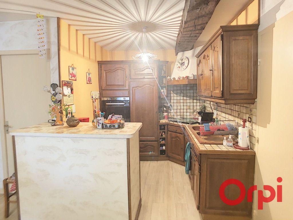 Appartement à vendre 4 82m2 à Saint-Amand-Montrond vignette-2
