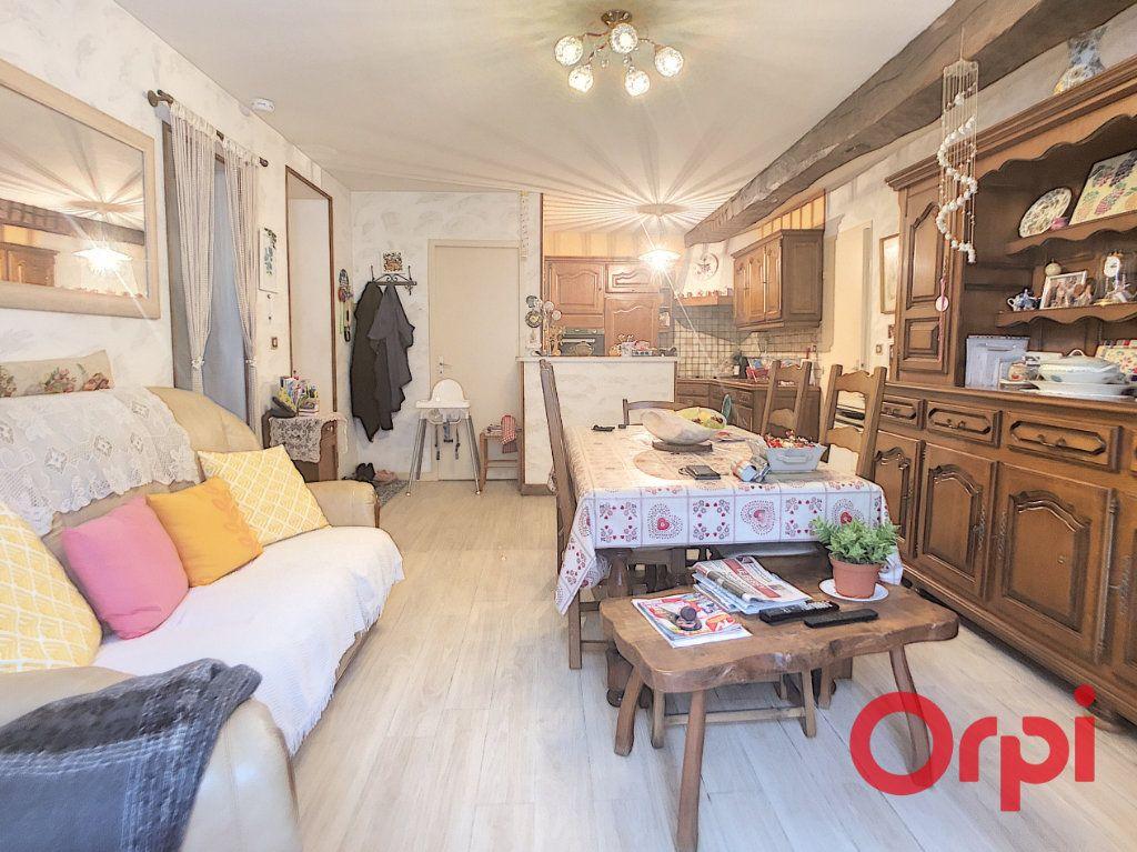 Appartement à vendre 4 82m2 à Saint-Amand-Montrond vignette-3
