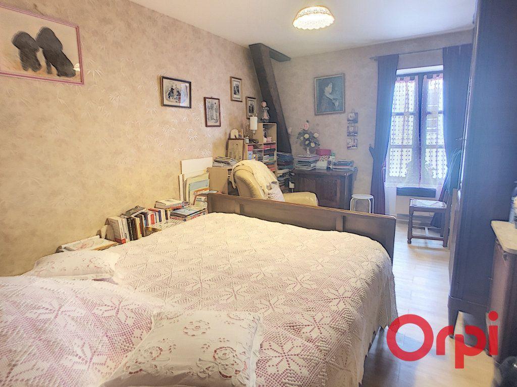 Appartement à vendre 4 82m2 à Saint-Amand-Montrond vignette-5