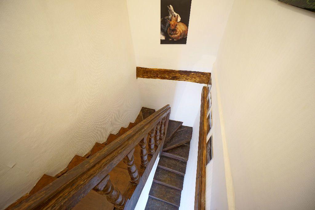 Maison à vendre 4 107m2 à Montluçon vignette-1