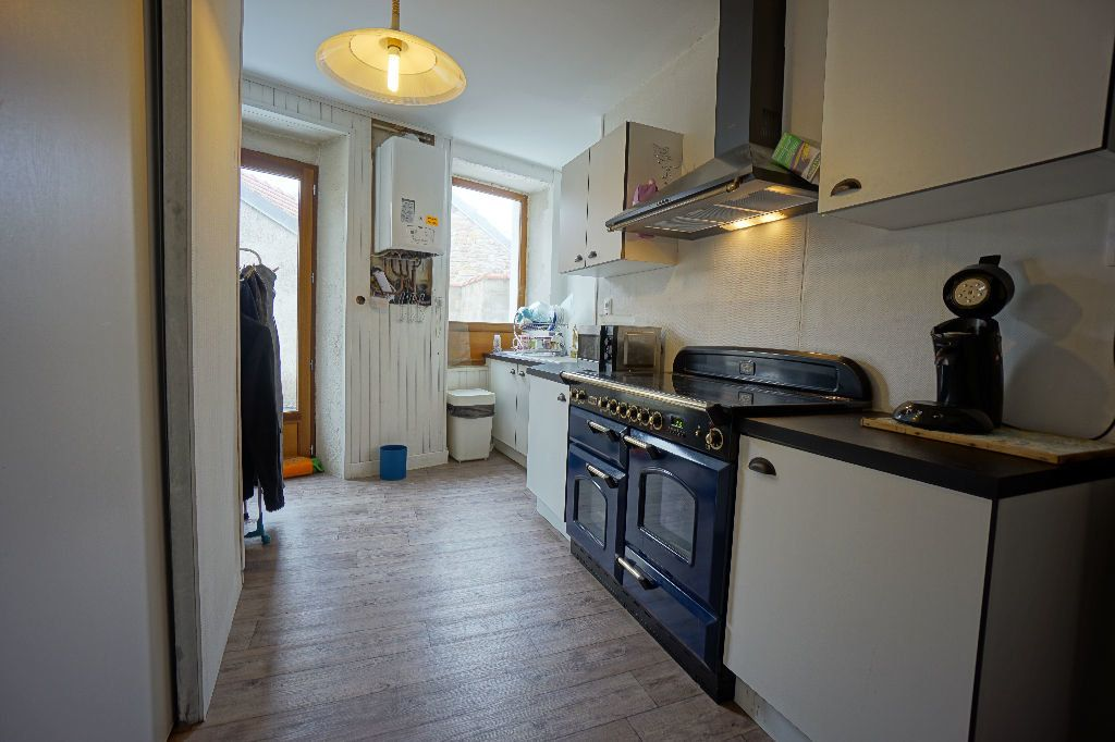 Maison à vendre 4 107m2 à Montluçon vignette-2