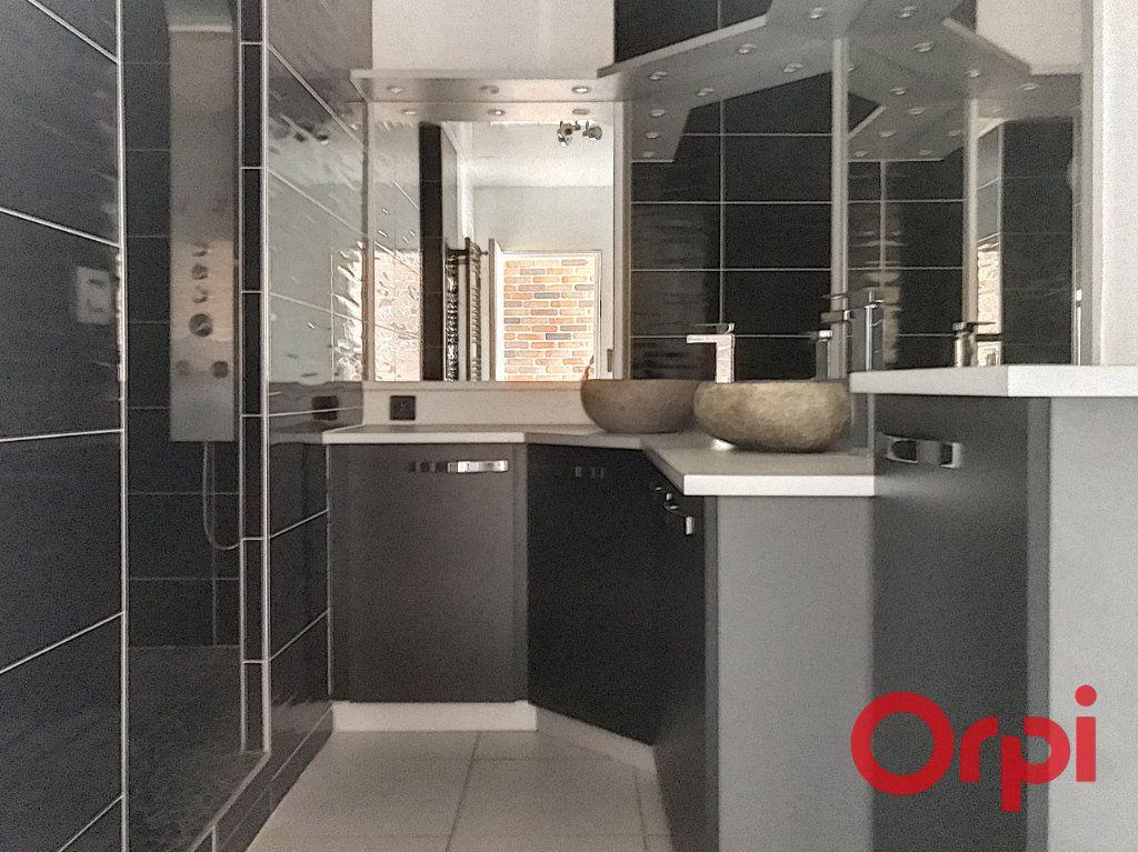 Appartement à vendre 5 130m2 à Montluçon vignette-2