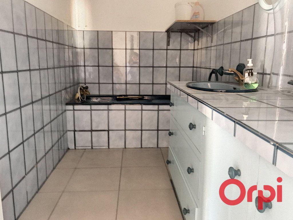 Appartement à vendre 5 130m2 à Montluçon vignette-5