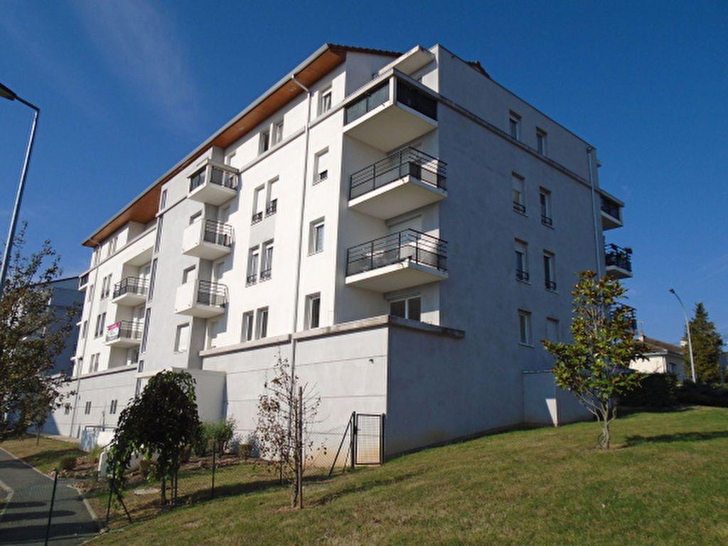 Appartement à vendre 3 47m2 à Montluçon vignette-7