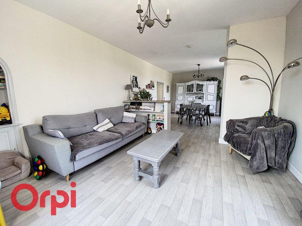 Maison à vendre 5 120m2 à Saint-Bonnet-Tronçais vignette-3