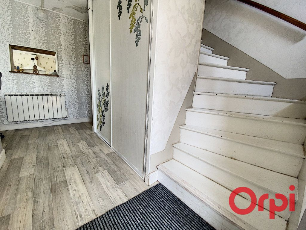 Maison à vendre 5 120m2 à Saint-Bonnet-Tronçais vignette-6