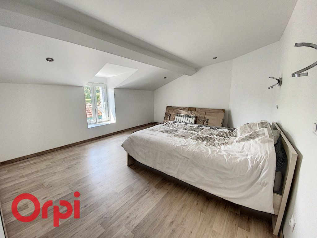 Maison à vendre 5 120m2 à Saint-Bonnet-Tronçais vignette-7