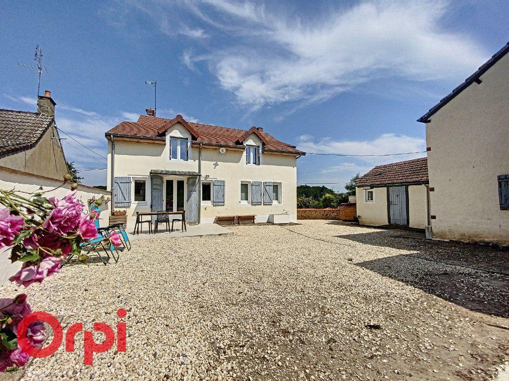 Maison à vendre 5 120m2 à Saint-Bonnet-Tronçais vignette-14
